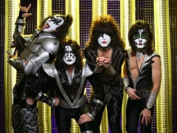 Kiss – Thrills in the night