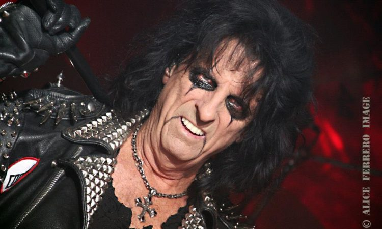 Alice Cooper,  lo streaming di 'East Side Story' dall'EP 'The Breadcrumbs'