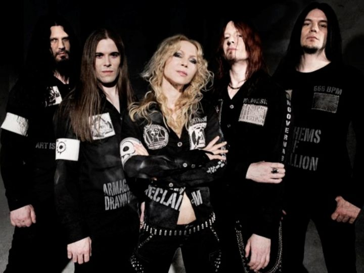 Arch Enemy – Thunder In The East