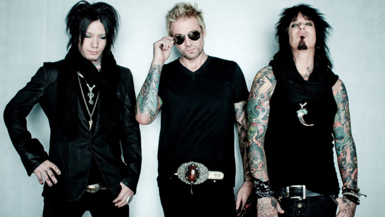 Sixx A.M. – The Rock Story Is Going On