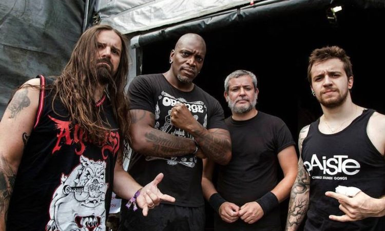 Sepultura, il video in quarantena di 'Orgasmatron' con Phil Campbell