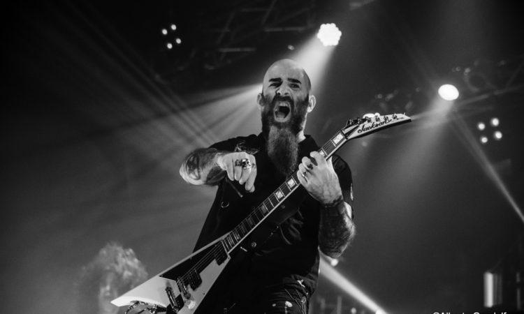 Sepultura, Ian vi mostra come suonare 'Cut Throat'