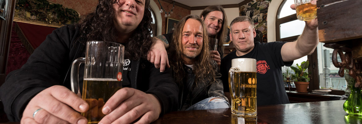 Tankard, track-by-track di 'One Foot In The Grave'