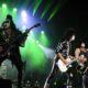 Kiss, il video di Gene Simmons che sputa fuoco a San Diego
