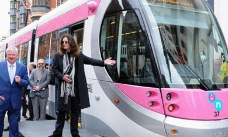 Ozzy Osbourne, tram di Birmingham intitolato in suo onore