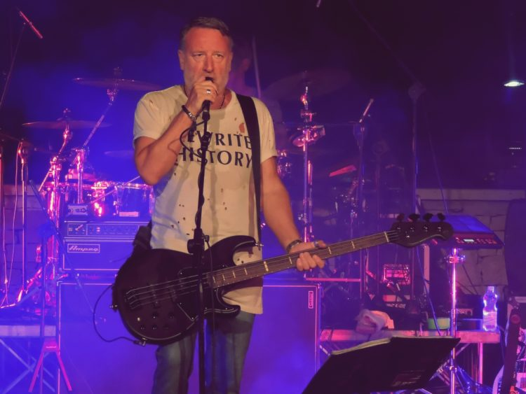 Peter Hook & The Light @Anfiteatro Mediterraneo – Bisceglie (BT), 08 luglio 2017