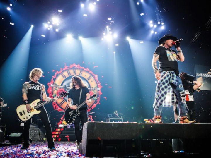 Guns N' Roses, 'Paradise City' con Dave Grohl il video più visto su Facebook a Novembre