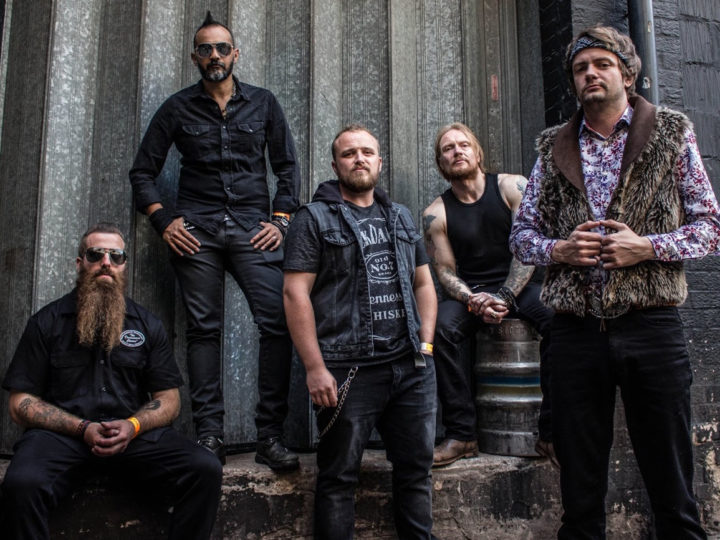 Doomsday Outlaw, video di 'Over And Over'