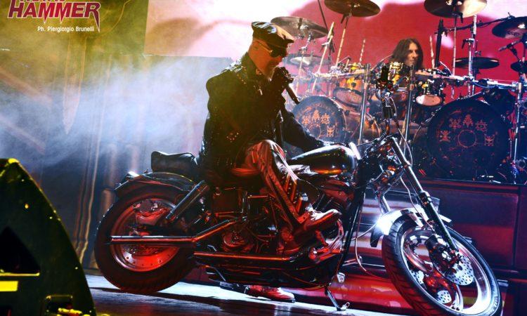 """Judas Priest, Rob Halford ricorda Ronnie James Dio: """"La sua voce sarà per sempre con noi"""""""