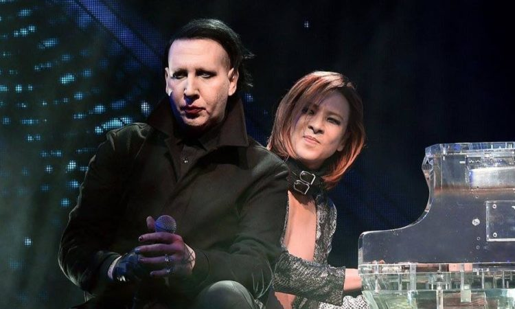 Marilyn Manson, canta 'Sweet Dreams' con gli X Japan al Coachella (video)