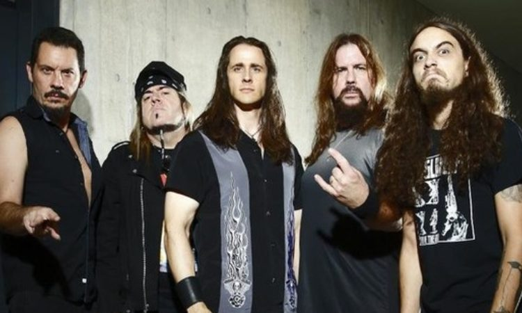 Riot V, il nuovo lyric video 'Caught in the Witch's Eye'