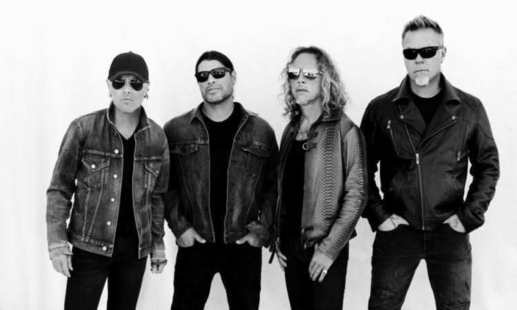 Metallica, la copertina del live acustico 'Helping Hands..' e il video di 'Disposable Heroes'