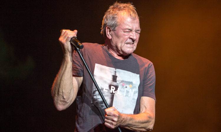 Ian Gillan, nuovo live album per la voce dei Deep Purple