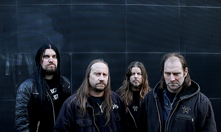 Entombed A.D., il music video del singolo 'Fit For A King'