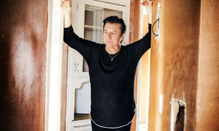 Steve Perry, a novembre esce il suo disco per Natale