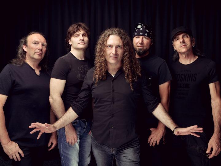 Turilli/Lione Rhapsody, firma per Nuclear Blast e King Records