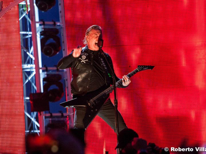 Metallica, James Hetfield ha ancora problemi di alcol e fermano il tour
