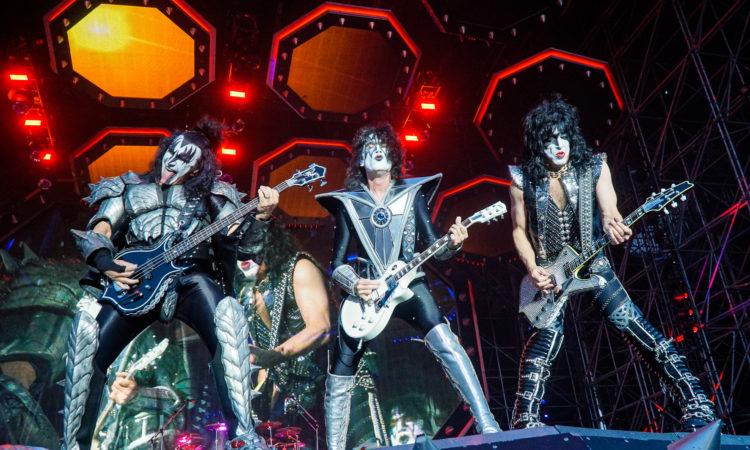 Kiss, 'Stay At Home Tour 2020' T-Shirt a sostegno dei dipendenti del settore della musica