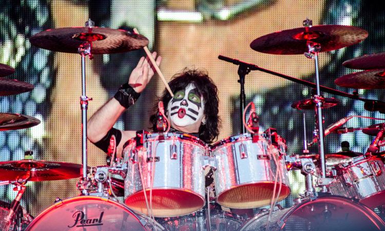 Kiss, pubblicano il 4 episodio di 'End Of The Road Pit Stop'