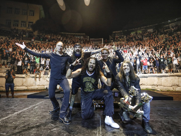 Sons Of Apollo, video di 'Labyrith' dal vivo con l'orchestra all'anfiteatro di Plovdiv