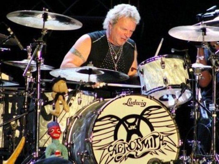 Aerosmith, Joey Kramer respinto fa causa alla band