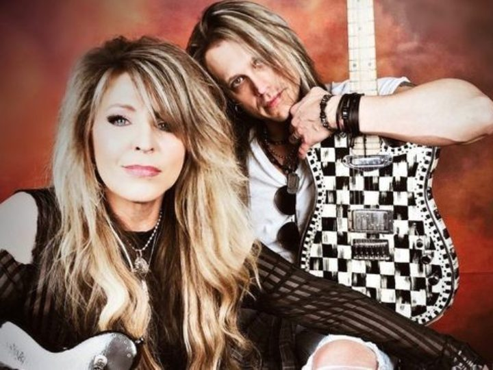 Vixen, Janet Gardner on-line il video home made di 'Talk To Myself'