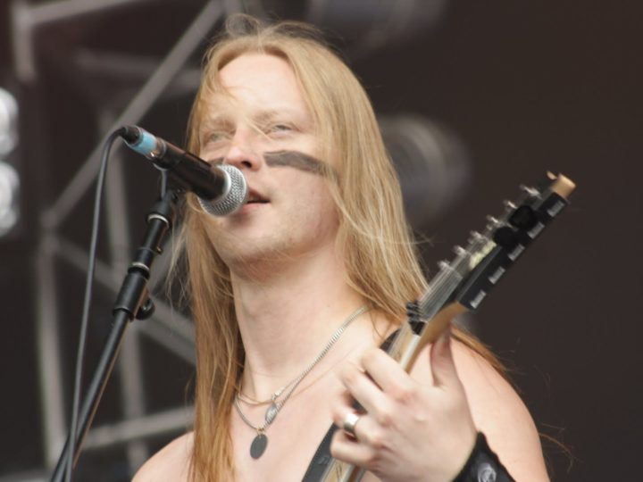 Ensiferum, Petri Linddroos mostra i posti più metal di Helsinki