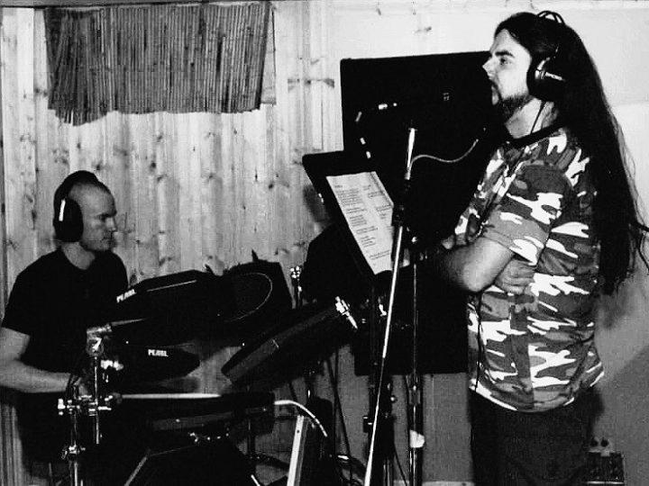 Thesyre, nuovo album ispirato al poeta futurista Filippo Tommaso Marinetti