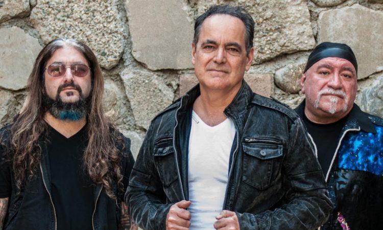 Neal Morse, Mike Portnoy e Randy George, ascolta la cover di 'Baker Street'