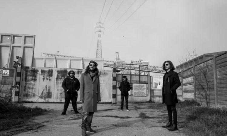 Solaris, ascolta tutto 'Un Paese di Musichette Mentre Fuori C'è La Morte' in anteprima su Metal Hammer