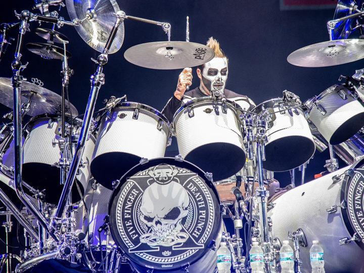Five Finger Death Punch, l'ex drummer Jeremy Spencer si vende la batteria