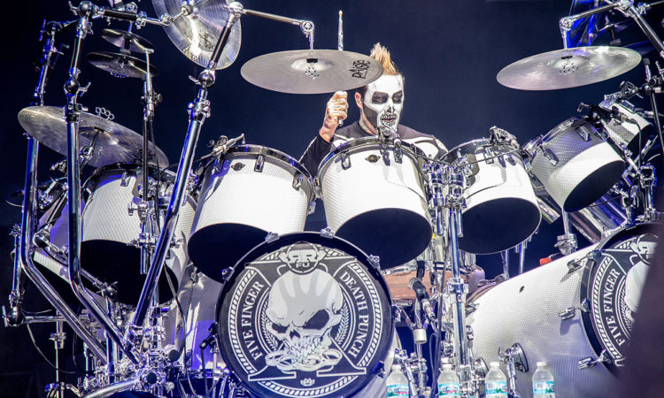 Five Finger Death Punch, l'ex drummer Jeremy Spencer si vende la batteria