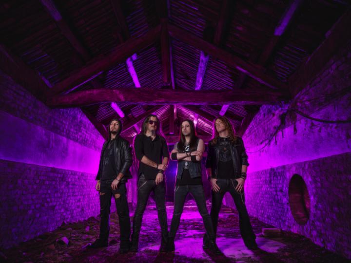 Hell In The Club, video del nuovo singolo 'Nostalgia'