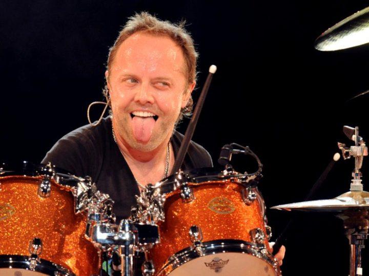 """Metallica, Lars Ulrich: """"Bon Scott è stato il frontman più figo di tutti i tempi"""""""
