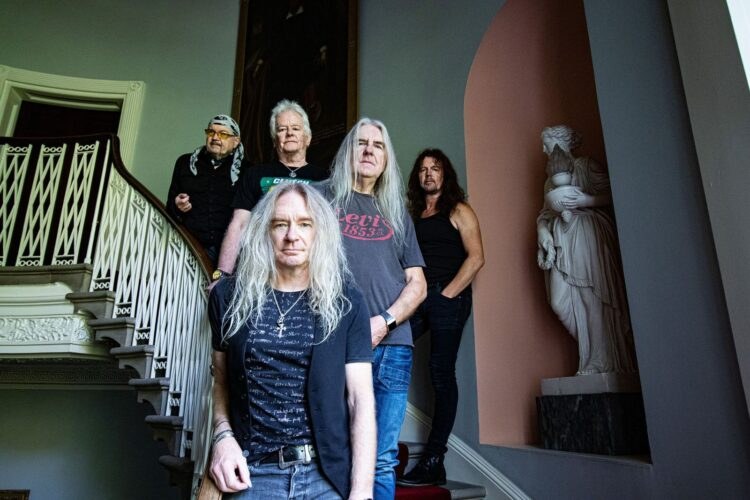 Saxon – Back on the Streets