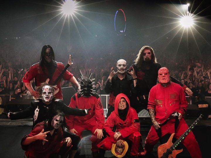 Slipknot, al Knotfest Iowa tributo a Joey e Paul