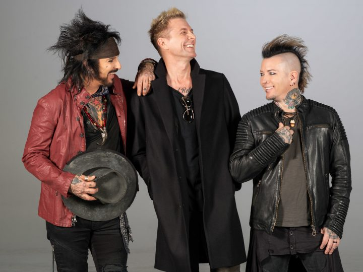 Sixx A.M. – We'll Hit(s) You!